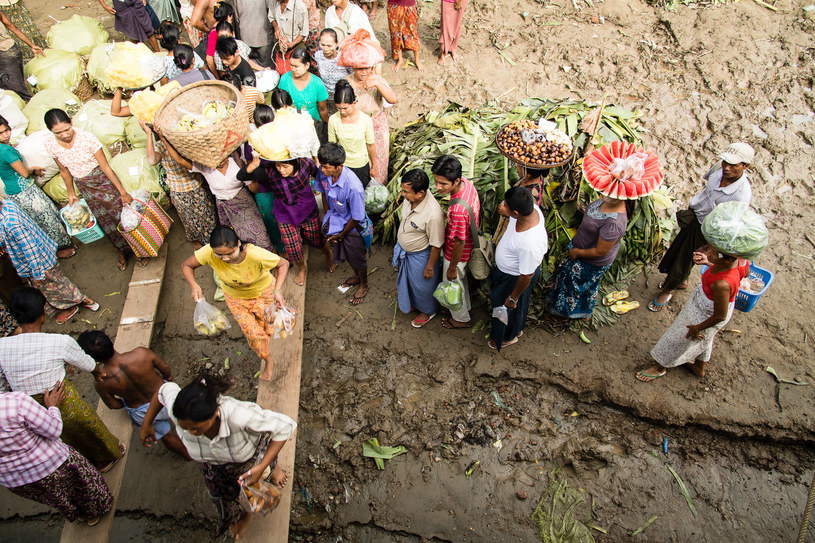 Przystanek w drodze promem, Birma /materiały prasowe