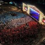 Przystanek Woodstock 2016 solidarny z Francją. Jurek Owsiak uczcił pamięć ofiar zamachu w Nicei