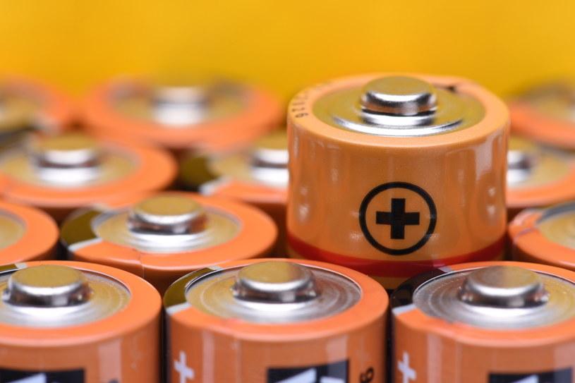 Przyszłość jest ukryta w bateriach... /123RF/PICSEL