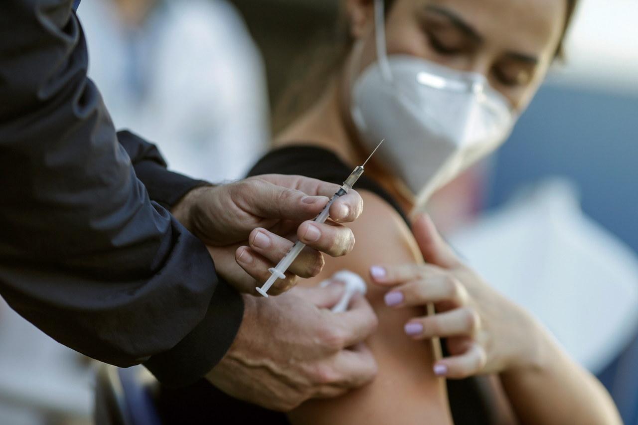 Przywileje dla zaszczepionych? Rząd przestraszył się antyszczepionkowców