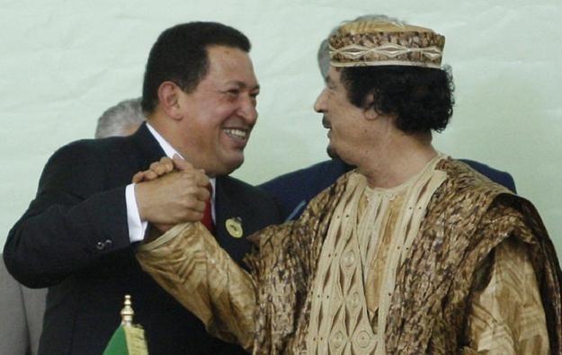 Przywódca Libii Muammar Kadafi i prezydent Wenezueli Hugo Chavez /AFP