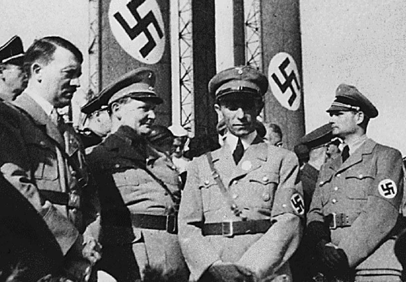 Przywódcy nazistowskich Niemiec. Od lewej: Adolf Hitler, Hermann Goering, Joseph Goebbels i Rudolf Hess. Goebbels doskonale zdawał sobie sprawę z siły ogólnokrajowych mediów /AFP