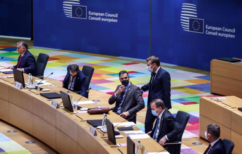 Przywódcy państw i rządów krajów UE uznali w czwartek na szczycie w Brukseli, że sytuacja epidemiczna w Europie jest bezprecedensowa i niepokojąca /KENZO TRIBOUILLARD / POOL /PAP/EPA