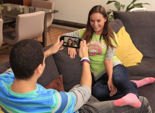 PS Vita sprawdzi się jako aparat fotograficzny /materiały promocyjne