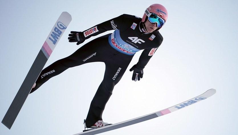 PŚ w skokach narciarskich. Ryoyu Kobayashi najlepszy w kwalifikacjach. Dawid Kubacki był ósmy