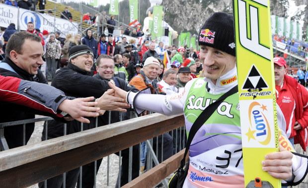 PŚ w skokach: Polacy tuż za podium, zwycięstwo Austriaków