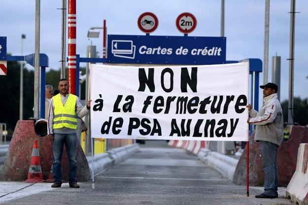 PSA zapowiedział redukcję zatrudnienia o 8 tys. osób oraz zamknięcie zakładów w Aulnay-sous-Bois /AFP