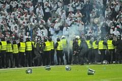 Pseudokibice zdemolowali stadion po finale Pucharu Polski