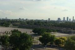 Pseudorajdowcy upodobali sobie ulicę przy Stadionie Narodowym