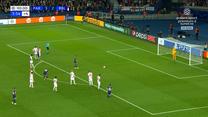 PSG - RB Lipsk. Kylian Mbappe pudłuje z rzutu karnego. WIDEO (Polsat Sport)