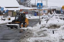 PSP: Prawie 700 interwencji związanych z opadami śniegu i silnym wiatrem