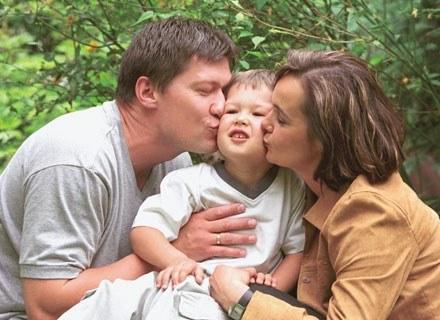 Psychoterapeuci zalecają, żeby jedną godzinę w tygodniu przeznaczyć na rozmowę o wychowaniu dziecka. /INTERIA.PL