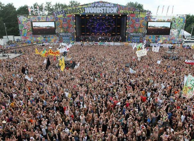 Publiczność pod Dużą Sceną Przystanku Woodstock 2013 - fot. Lech Muszyński /PAP