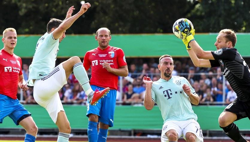 """Puchar Niemiec. SV Drochtersen - Bayern Monachium 0-1. Gol """"Lewego"""""""