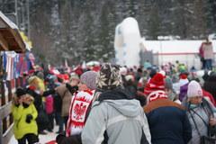 Puchar Świata w skokach narciarskich. Zobacz jak kibicują naszym!
