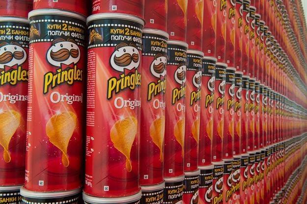 Pudełka chipsów w nowo otwartej fabryce Pringles w Kutnie /PAP