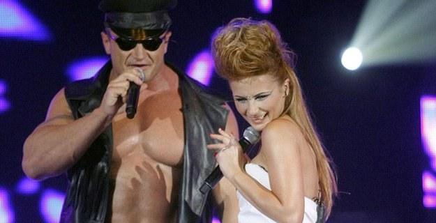 Pudzian śpiewać nie umie, ale publiczność go kocha /AKPA