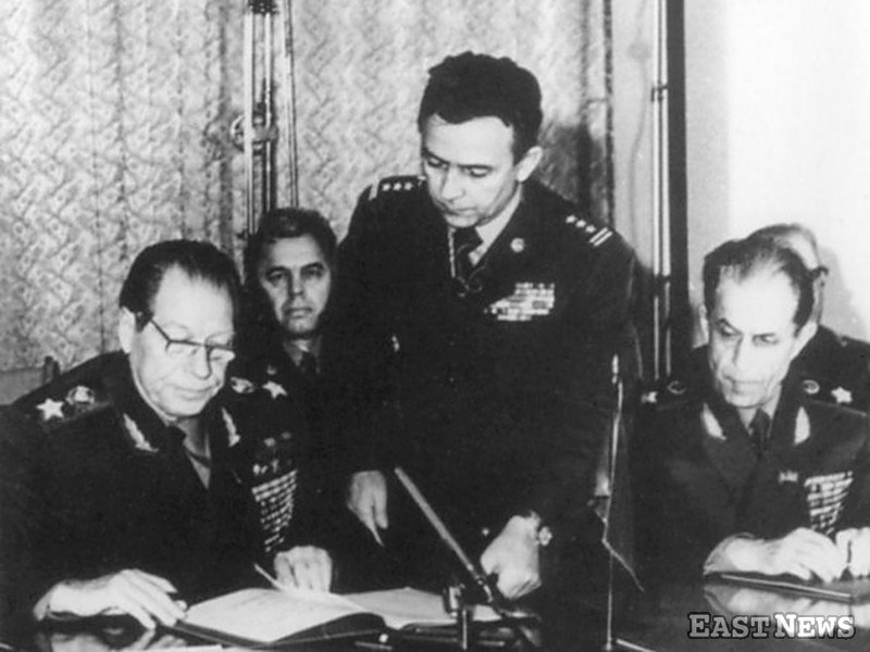 Pułkownik Ryszard Kukliński poznał i przekazał USA plany wojny nuklernej Układu Warszawskiego z Zachodem /Laski Diffusion /East News