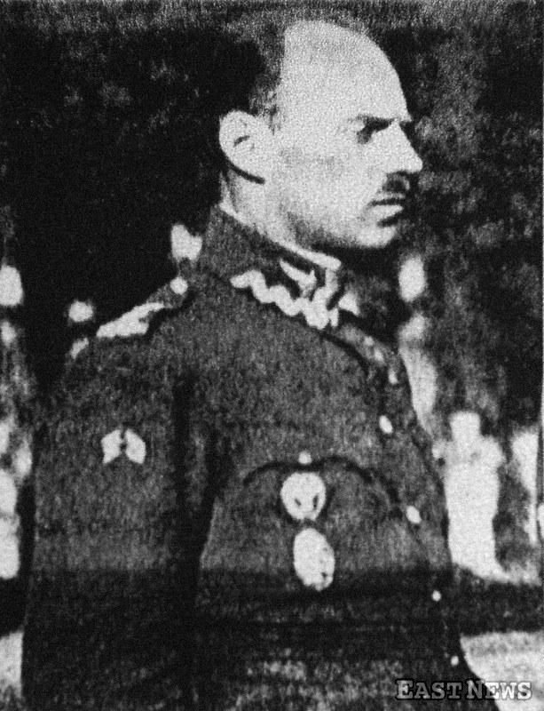 Pułkownik Władysław Anders podczas internowania w Wilanowie /Laski Diffusion /East News