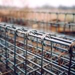 """""""Puls Biznesu"""": Nieruchomości napędzają ceny stali"""