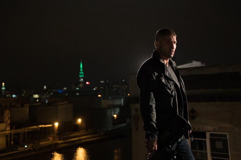"""Punisher (Jon Bernthal) w 2. sezonie serialu """"Daredevil"""" /Patrick Harbron/Netflix /materiały prasowe"""