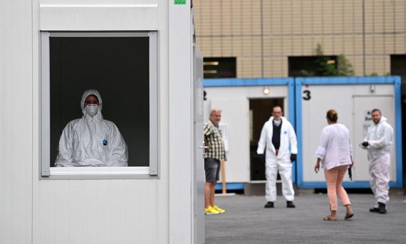 Punkt pobierania próbek do testów na koronawirusa w Dortmundzie, zdjęcie ilustracyjne /AFP