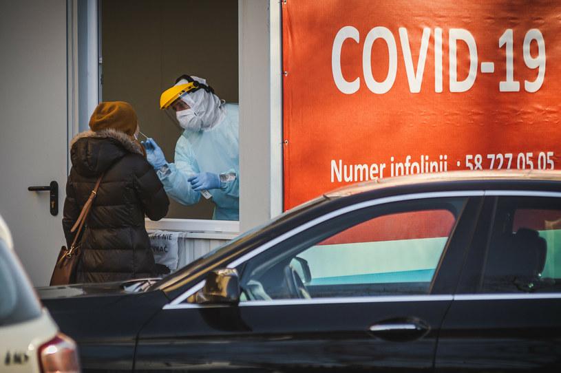 Punkt pobrań w kierunku SARS-CoV-2 /Karol Makurat/REPORTER /East News