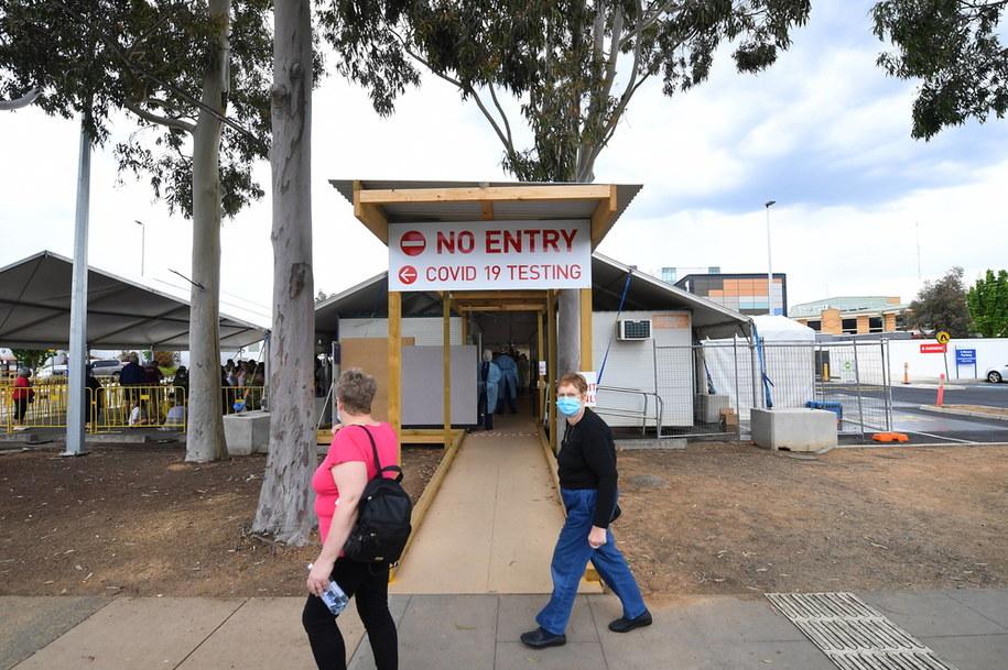 Punkt pobrań wymazów w Shepparton w Australii, w stanie Victoria. /JAMES ROSS /PAP/EPA