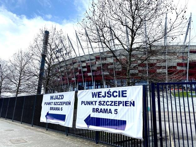 Punkt szczepień na Stadionie Narodowym w Warszawie /Karolina Bereza /RMF FM