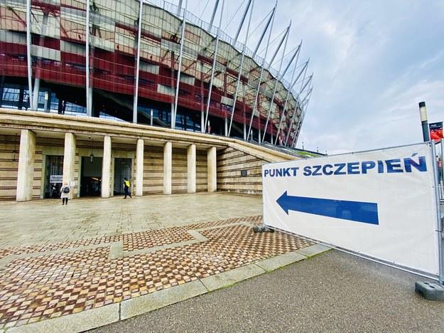 Punkt szczepień w Warszawie na Stadionie Narodowym /Karolina Bereza /RMF FM
