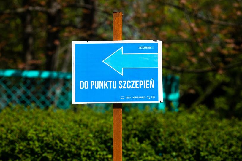 Punkt szczepień; zdj. ilustracyjne /Arkadiusz Ziółek /East News