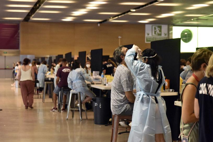 Punkt testowania przeciw COVID-19 w Hiszpanii /Europa Press News / Contributor /Getty Images