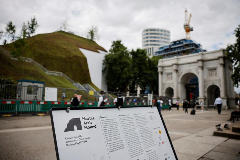 Punkt widokowy został zaprojektowany przez holenderską firmę architektoniczną MVRDV /TOLGA AKMEN/AFP/East News /East News