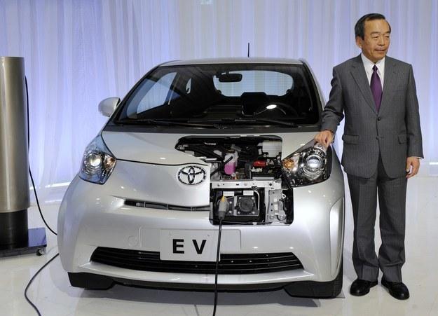 Punktem honoru dla każdego producenta jest mieć pojazd EV /AFP