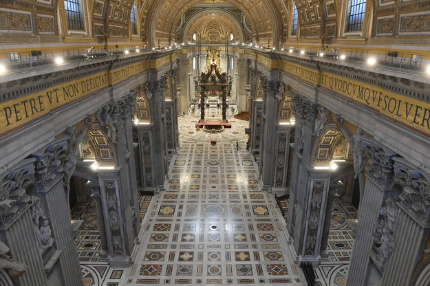 Pusta bazylika św. Piotra /VATICAN MEDIA HANDOUT /PAP/EPA