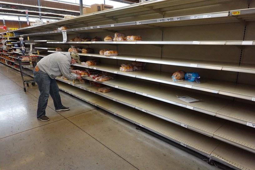 Puste półki w jednym z marketów w Teksasie /GETTY IMAGES NORTH AMERICA JOE RAEDLE /AFP