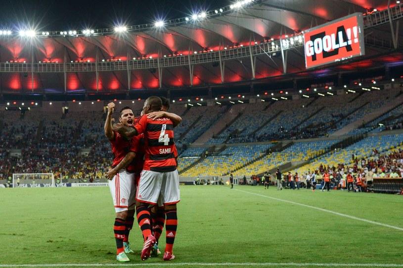 Puste trybuny na Maracanie to jedna z oznak kryzysu brazylijskiego futbolu /AFP