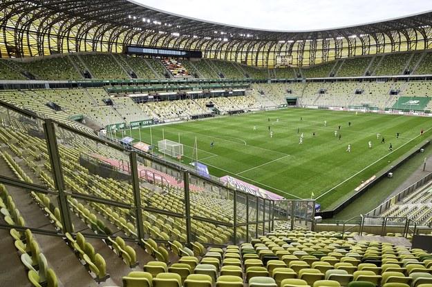 Puste trybuny na Stadionie Energa Gdańsk / Adam Warżawa    /PAP