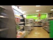Pustoszeją półki w japońskich sklepach