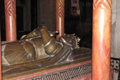 Pusty sarkofag króla Władysława III Warneńczyka na Wawelu