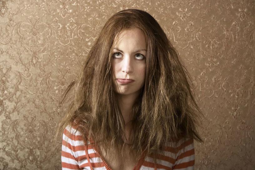 puszące się włosy /© Photogenica