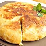 Puszysty omlet z mozzarellą