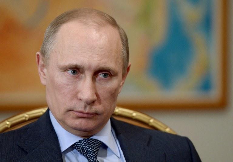 Putin podpisał dekret umożliwiający transakcję /AFP