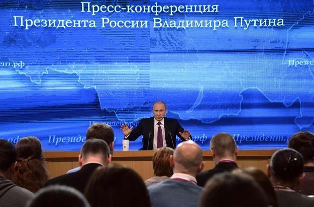 Putin powiedział, że mimo zakłóceń na rynkach finansowych, rosyjskie dochody będą większe /AFP