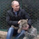 """Putin pozuje z lampartem. """"Kocham zwierzęta, wyczuwam je"""""""