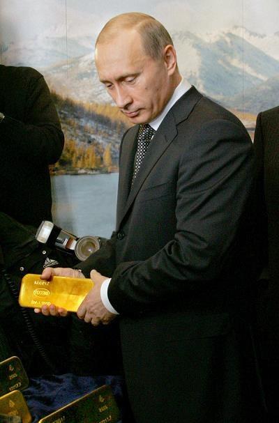 Putin przykłada wielką wagę do złota /AFP