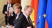 Putin w obecności Merkel usprawiedliwiał pakt Ribbentrop-Mołotow