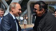 Putin wręczył na Kremlu rosyjski paszport Stevenowi Seagalowi