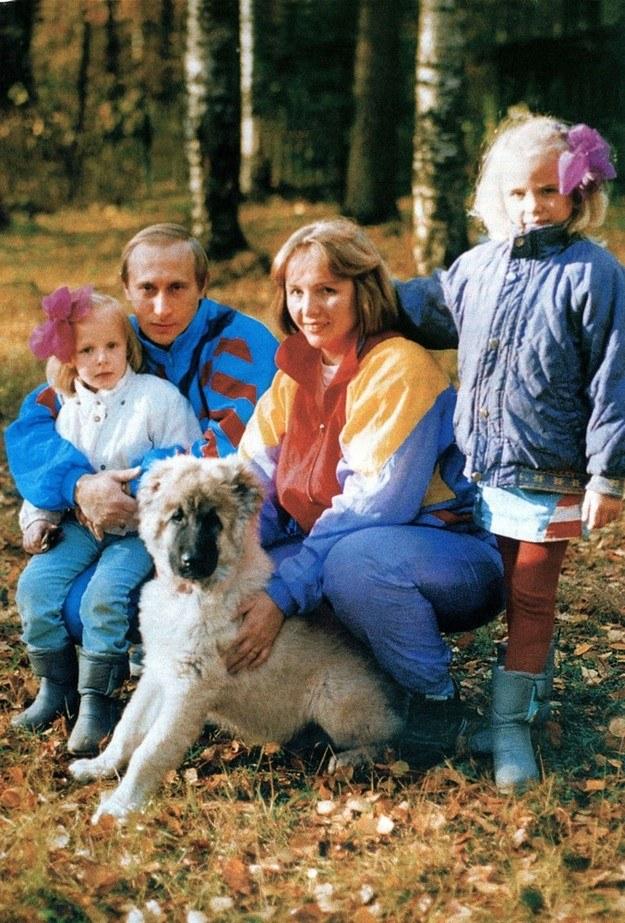 Putin z żoną Ludmiłą i córkami /- /East News
