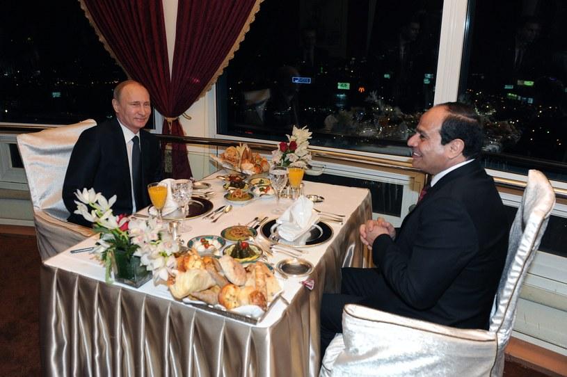 Putin został po przyjacielsku ugoszczony przez Egipcjan /PAP/EPA